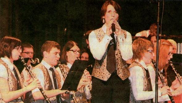 Ein anspruchsvolles Konzert präsentierte der Musikverein Erlenbach in der Sulmtalhalle. Sarah Wahl glänzte bei zwei Gesangseinlagen.